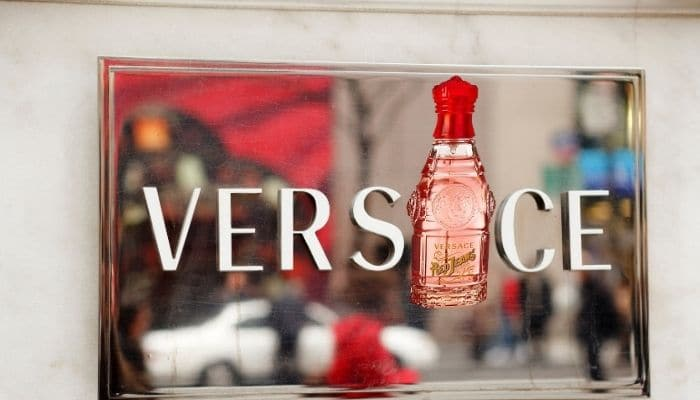 Versace Red Jeans recensione
